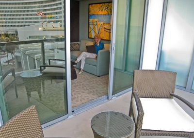 sorrento_reflected_balcony